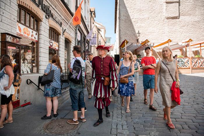 11faaf8108a Jüri Kuuskemaa tutvustab Tallinna toomkirikut