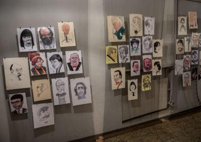 """Näitus """"Kohalikud kuulsused"""". Hugo Hiibuse aastate jooksul tehtud pildid."""