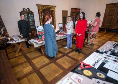 Peterburi Parfümeeria Muuseumi näitus.