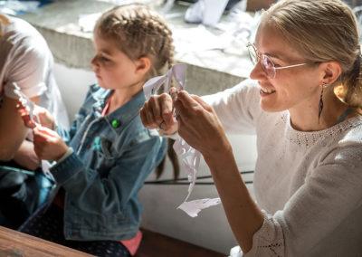 Paberlõike töötuba, juhendab kunstnik Ane Cecilie Mogensen Taanist.